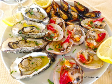 Oysters and Sicilian clams - a perfect starter for a Sunday lunch on the coast of Syracuse
