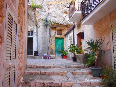 Secret alleys - Scicli, a most charming small mountain town
