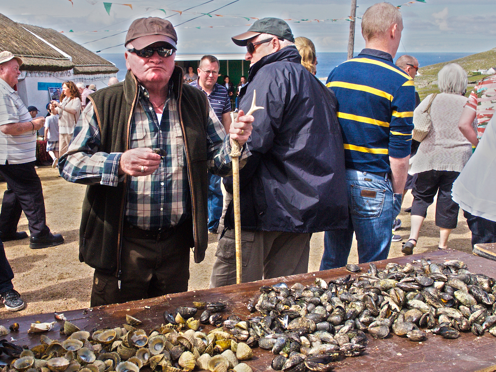 mussels picking Donegal, fresh seafood Donegal